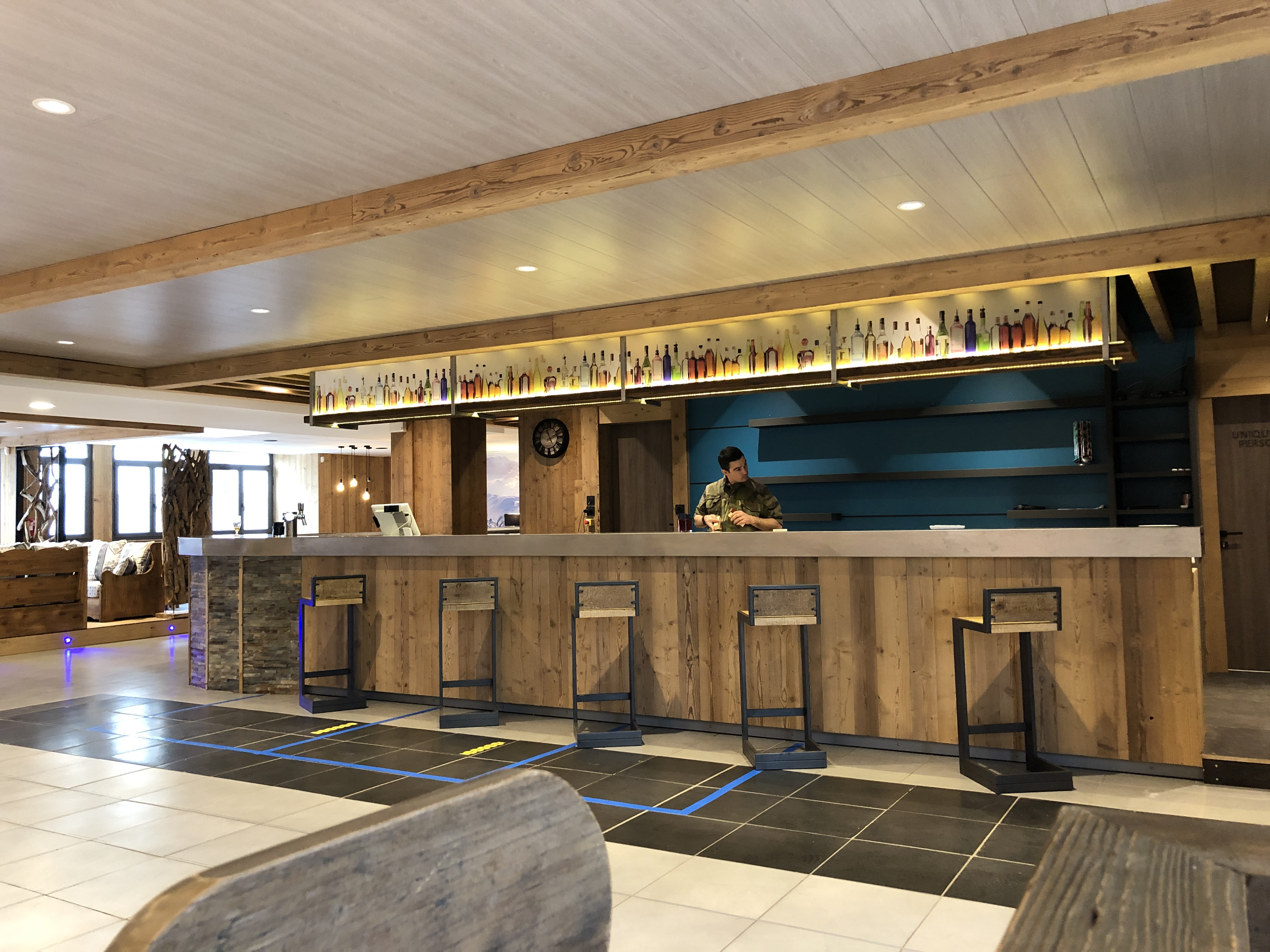 Caserne de Varces - Casquette bar
