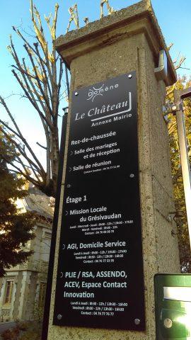 Château de Domène - Plaque pilier